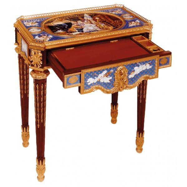 table-ecritoire-louis-xv-par-martin-carlin-